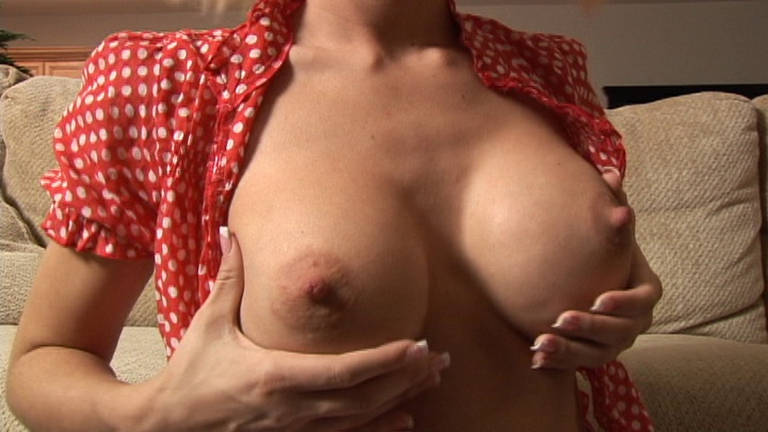 Jessica Lynn shows her boobs - סרטי סקס