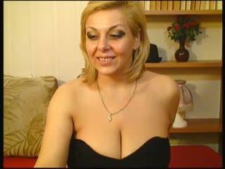 Nous avons rencontré cette jolie femme d'âge mûr qui va par le nom de ligne nicewetsexytitspussycumsquirt qui livre exactement ce que son nom promet .